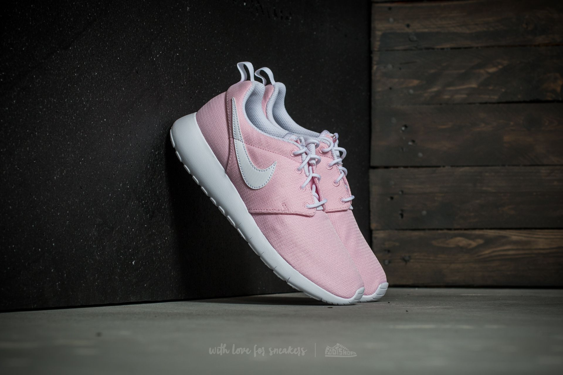 Nike Roshe One (GS) Prism Pink/ White-Safety Orange Footshop – FR