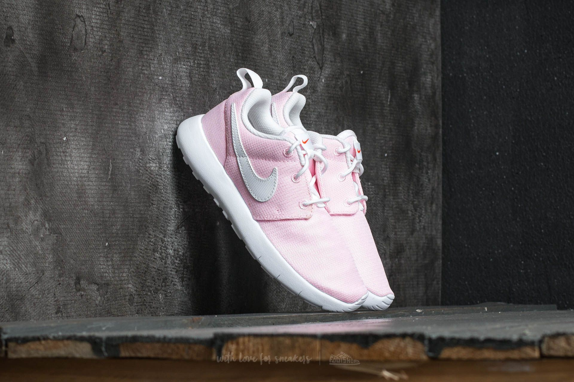 Nike Roshe One (PS) Prism Pink/ White-Safety Orange Footshop – FR