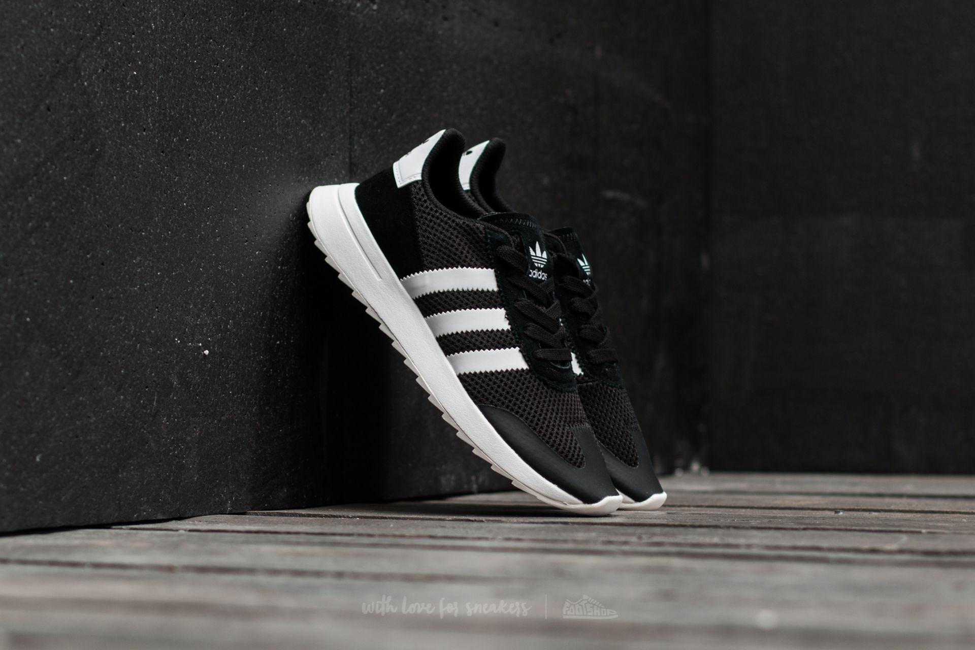 adidas Flashback W Core Black/ Ftw White/ Core Black Footshop – FR