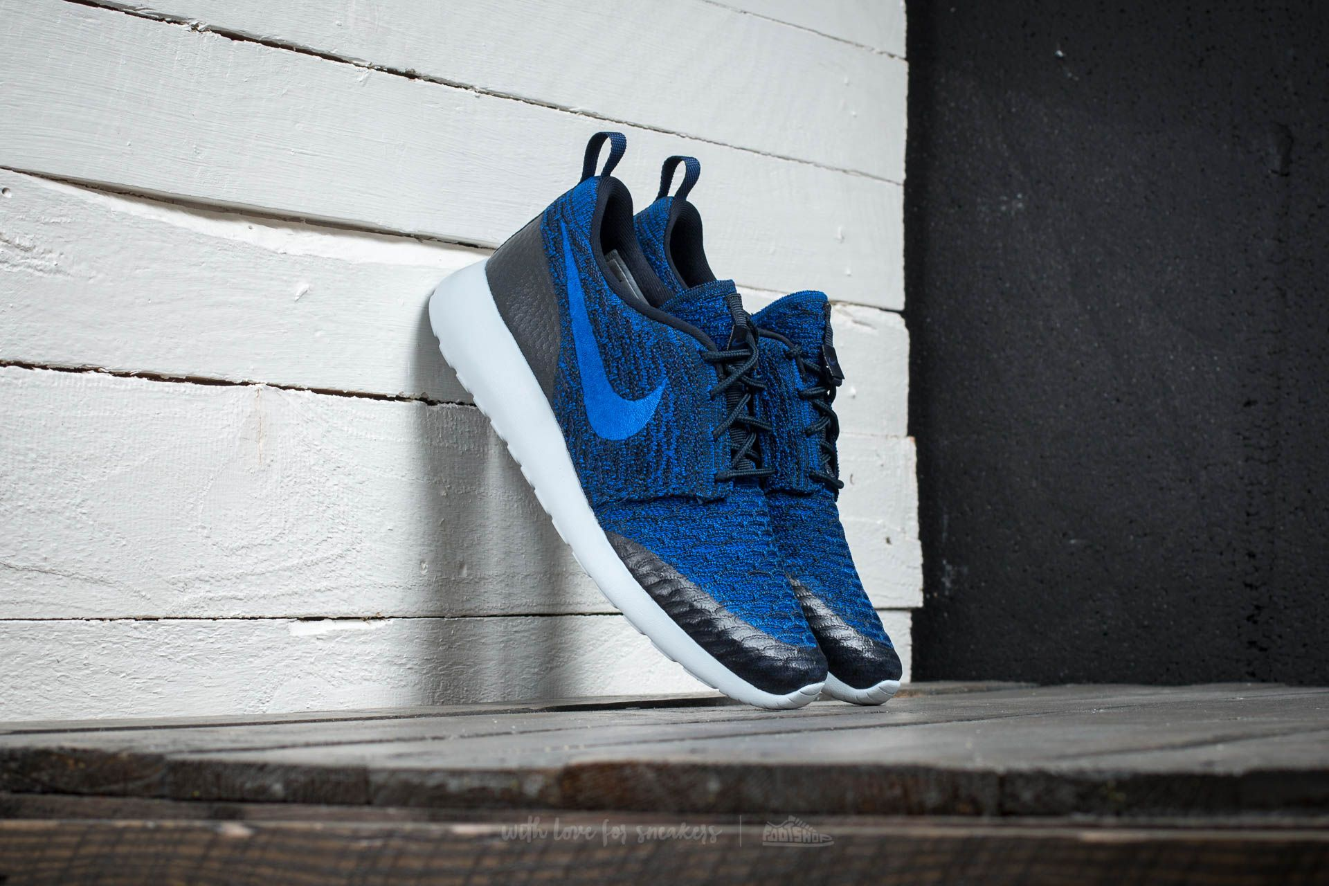 Nike Wmns Roshe One Flyknit Dark Obsedian//Racer Blue-Deep Royal Blue Footshop – FR