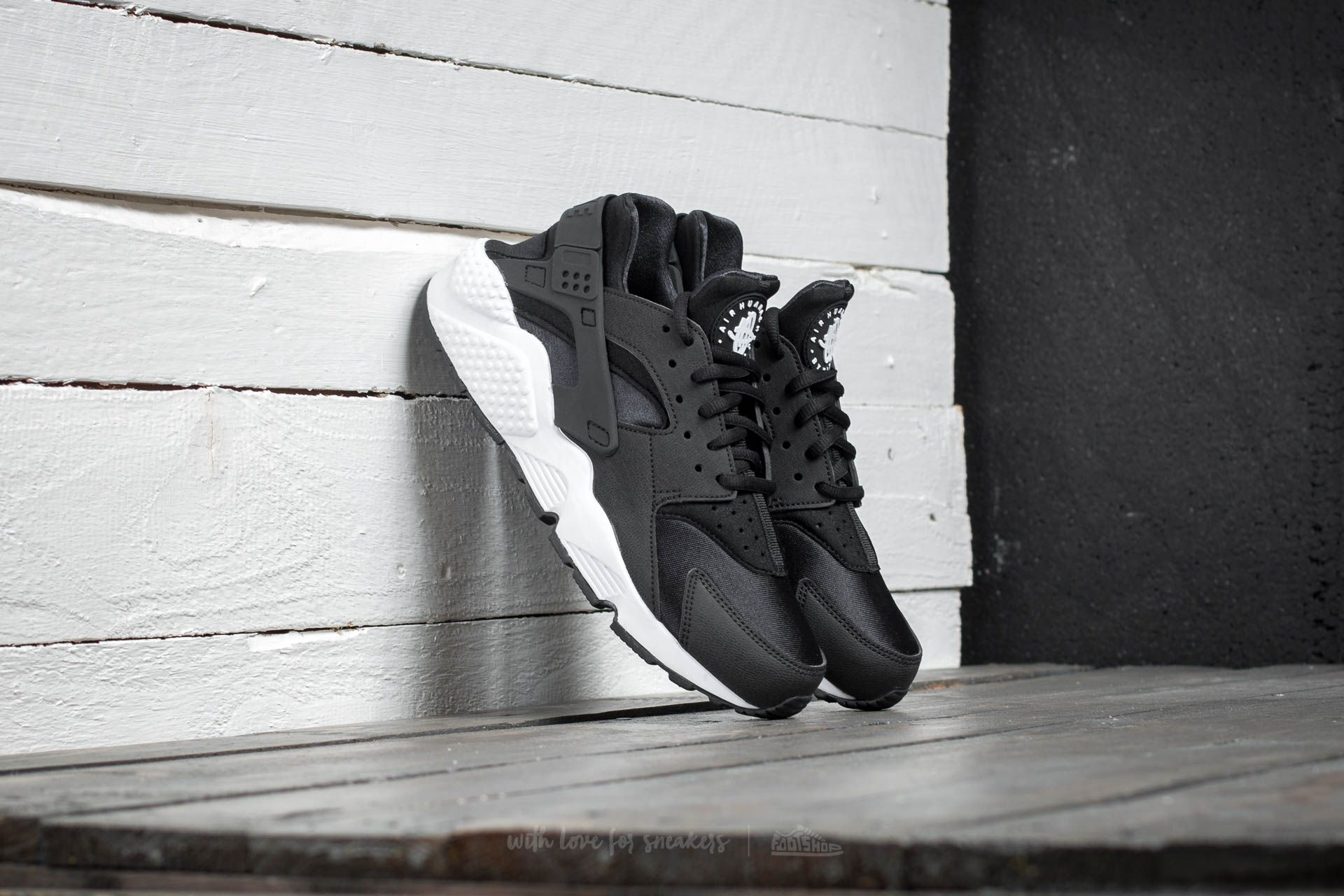 Nike Air Huarache Run Black/ Black/ White
