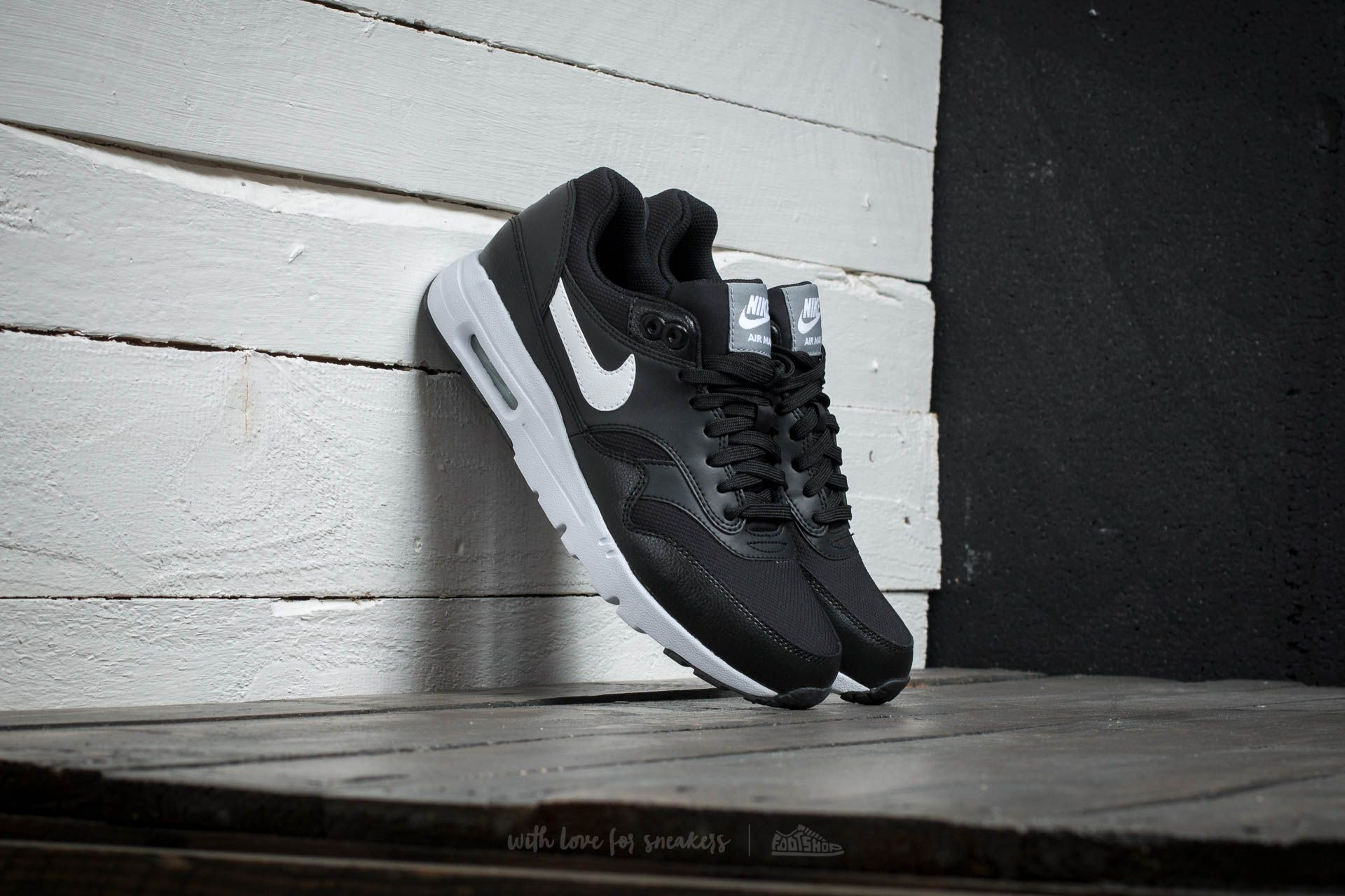 Nike W Air Max 1 Ultra Essentials Black/ White- Steal Th- Pure Platinum
