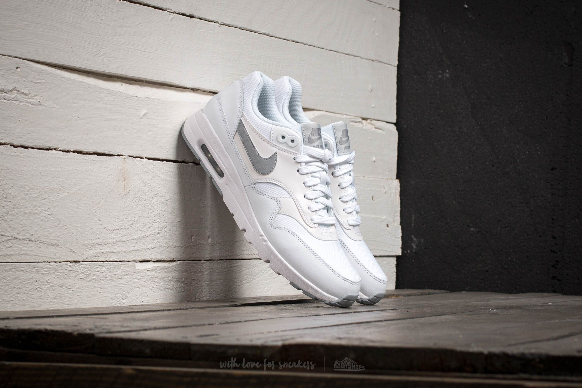 Nike W Air Max 1 Ultra Essentials White/Wolf Grey Pure Platinum Metallic